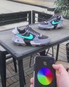 You can buy first copy branded shoes online on Amazing Baba at reasonable prices. Here you get a wide range of latest sports shoes online with huge discount. Tenis Air Force, Nike Air Force 1, Nike Air Max, Air Force Sneakers, Vans Sneakers, Custom Sneakers, Sneakers Fashion, Fashion Shoes, Nike Custom Shoes