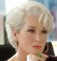 This is the best hairstyle Meryl Streep ever had, and she looked the most beautiful.
