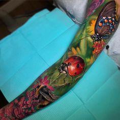 Nature sleeve with a butterfly, ladybird… - Tattoo Designs Men Lake Tattoo, Mujeres Tattoo, Surreal Tattoo, Upper Arm Tattoos, Tattoo Feminina, Best Tattoo Designs, Animal Tattoos, Black And Grey Tattoos, Color Tattoo