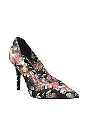 8b6b14d442ff NINE WEST FLORAL PUMPS Super cute brand new Nine West floral pumps. Perfect  heel for