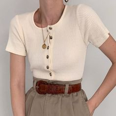 Favorite minimalist vintage cream ribbed knit top with tortoiseshell buttons. Su… Favorite minimalist vintage cream ribbed knit top with tortoiseshell buttons. Such a good fit and chic style. Online now. 🦢 (Sold) Pin: 640 x 640 Fashion Week, Look Fashion, Korean Fashion, Young Fashion, Fashion Fashion, Fashion Brands, Spring Fashion, Winter Fashion, Fashion Tips