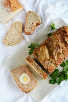 Sałatka z arbuzem i fetą - Poezja smaku Cake Hacks, Lava Cakes, Kfc, Curry, Food And Drink, Eggs, Breakfast, Recipes, Pies