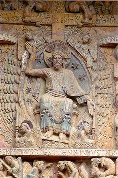 Tympan du Jugement dernier de Conques. Dans les églises romanes, le tympan accueil les fidèles et les éduque.