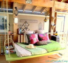 How to Build a Hanging Bed {outdoors} Instead of a porch swing, why not a porch bed? Here is a tutorial on how to make it! Hanging Porch Bed, Hanging Beds, Diy Hanging, Porch Swings, Garden Swings, Outdoor Hanging Bed, Outdoor Swings, Sun Garden, Hanging Chairs