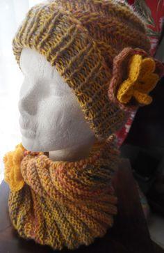Bonnet et snood, pour femme, INCAS, tricotés à la main : Chapeau, bonnet par misty-tuss-tricote