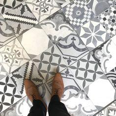 Mono Mix Tiles