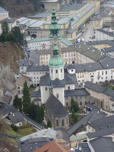 Castillo Hohensalzburg. Vista Abadía de San Pedro.