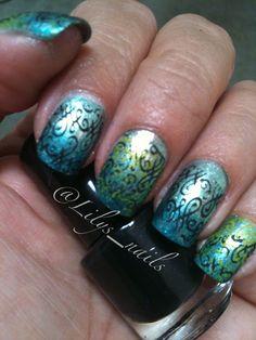 31dc2012: day 08, Metallic nails