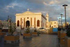 Manati, PR: Plaza e Iglesia 2009