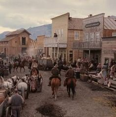 For a Steampunk setting Western Wild, Red Dead Redemption Ii, Into The West, Le Far West, Historical Romance, Old West, Aesthetic Photo, Evan Rachel Wood, Just In Case