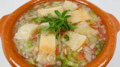 Una de tantas recetas de gazpacho extremeño. Cómo lo haces tú???. Para ver la receta paso a paso, ya sabes en mi blog www.isabelmoro.com