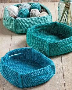 Knit baskets....Takes you to ravelry, click on pattern name..click…