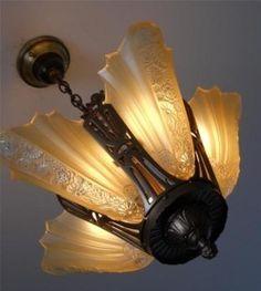 Antique Chandelier, Antique Lamps, Antique Art, Chandeliers, Vintage Industrial Lighting, Antique Lighting, Antique Light Fixtures, Art Nouveau, Look Vintage