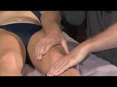 Working With Knee: Deep Tissue Massage & Myofascial Release Love Massage, Hand Massage, Massage Tips, Massage Benefits, Massage Techniques, Massage For Women, Message Therapy, Massage Classes, Remedial Massage