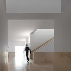 Image 13 of 33 from gallery of Auditorium Theatre of Llinars del Valles / Álvaro Siza Vieira + Aresta + G. Photograph by Fernando Guerra Berkeley Square, Construction, Modern Architecture, Stairs, House Design, Gallery, Marble Bathrooms, Motion Blur, Modernism
