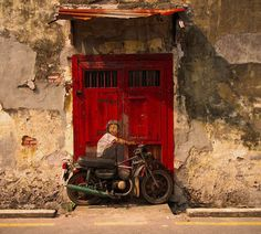 """From """"Ernest Zacharevic #Penang street #Art #Malaysia"""".  View more Malaysian street art here: http://www.rojaksite.com/street-art-in-penang/ernest-zacharevic-penang-street-art-malaysia/"""