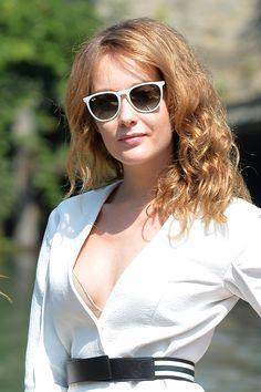 "78526cc0fcdf05 Persol rewards Frances McDormand s ""Visionary talent"" at the Venice  International Film Festival    Cristiana Capotondi in Ray-Ban RB 4171"