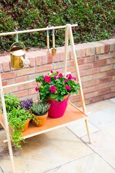 DIY Ladder Plant Shelf for a Small Garden or Balcony | @fallfordiy-18