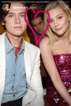 Lili and Cole ❤️❤️😍😍...and there's KJ ~ Lili's Instagram story Riverdale Funny, Riverdale Cw, Riverdale Memes, Riverdale Cheryl, Betty And Jughead, Riverdale Cole Sprouse, River Dale, Archie Andrews, Betty Cooper