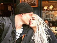 Zoë Kravitz Marries Karl Glusman In Star-Studded Wedding Ceremony At Dad Lenny Kravitz Paris Home Lisa Bonet, Lenny Kravitz, Zoey Kravitz, Karl Glusman, Zoe Isabella Kravitz, Fall In Luv, Michael Ealy, Donald Glover, Cute Comfy Outfits