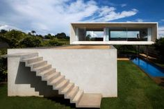 Casa Osler, fachada da fundo, Marcio Kogan, menção honrosa categoria profissional/ obras concluídas. Brasília, DF, 2006-2008.