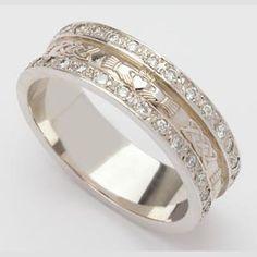 Claddagh Wedding Ring Set Love Keeping True Irish Traditions Celticweddingringsbrides Rings Pinterest And