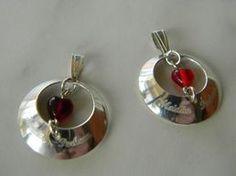 Perheen Sydän-riipus Cutlery, Jewellery, Drop Earrings, Jewels, Flatware, Schmuck, Drop Earring, Dishes, Jewelry Shop
