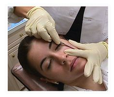 Dermaplaning, sometimes known as epidermal leveling or blading,is a safe and non-invasive way to help rejuvenate skin.