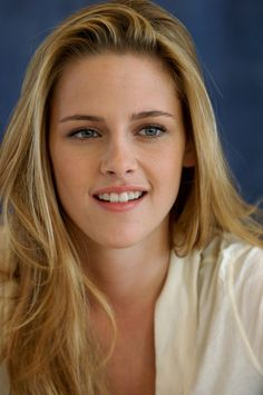 I wouldn't normally pin this, but...THIS IS KRISTEN STEWART, PEOPLES! She SMILES! I mean, she's CAPABLE of it! @Taylor Lloyd @TJ Barber