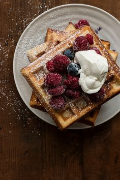 Waffles for breakfast What's For Breakfast, Breakfast Recipes, Dessert Recipes, Belgian Waffles, Waffle Recipes, Churros, Sweet Recipes, Scd Recipes, Water Recipes