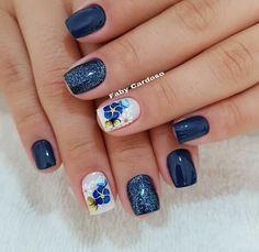 Quer aprender a fazer unhas seja para você mesma ou para trabalhar como manicure? Shellac Nail Art, Nail Polish, January Nail Colors, American Nails, Bridal Nail Art, Manicure E Pedicure, Halloween Nail Art, Beautiful Nail Art, Spring Nails