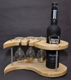 Affordable Wine Subscription DiscountWineGlasses Code 1335580226 - is wie Flasc. - Affordable Wine Subscription DiscountWineGlasses Code 1335580226 – is wie Flasche leer…. Wine Bottle Holders, Wine Bottle Crafts, Glass Holders, Wine Rack Plans, Pallet Wine, Diy Pallet, Bois Diy, Small Wood Projects, Diy Projects
