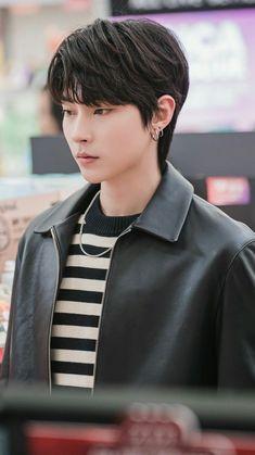 Korean Drama Best, Handsome Korean Actors, K Wallpaper, Cute Korean Boys, Aesthetic People, Kdrama Actors, Cute Actors, Korean Celebrities, Movies