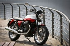 Moto Guzzi V7 Special (2013)