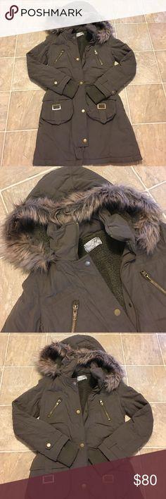 Parka coat Army green faux fur jacket keeps you very warm with nice hardware Zara Jackets & Coats Puffers