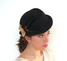 Black wool felt hat / handmade felt hat / by PapillonsDeLeticia
