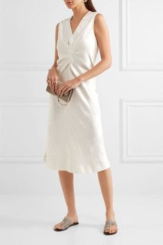 Ivory jacquard Concealed zip fastening along back 70% viscose, 30% ramie Dry clean