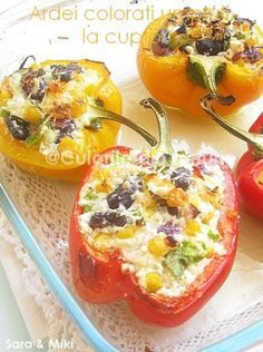 The colors of the dish: baked stuffed pepper colored Baked Stuffed Peppers, Pepper Color, Romanian Food, The Dish, Cantaloupe, Mashed Potatoes, Good Food, Food And Drink, Dishes