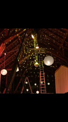Perfekte Beleuchtung #Hochzeit im Stadl #Kleinsasserhof Ferris Wheel, Fair Grounds, Lighting, Wedding