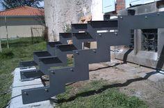 Limons fer plat 200 X 10 pour escalier largeur 2 métres avec marches lames de composite