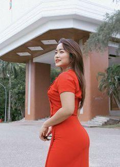 Burmese Girls, Curvy Women Fashion, Female Fashion, Women's Fashion, Myanmar Traditional Dress, Myanmar Women, Hot Dress, Sexy Asian Girls, Hottest Models