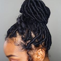 braids - 22 Dominating Short Faux Locs of This Era New Natural Hairstyles My Hairstyle, Girl Hairstyles, Braided Hairstyles, Protective Hairstyles, Protective Styles, Layered Hairstyles, Black Hairstyles, Hairstyle Ideas, Dreadlocks