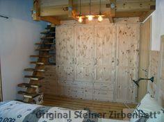 Balkenbett zirbe  Schlafzimmerschrank aus Zirbenholz, Maßeinbau in Mansarde ...
