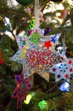 Hallo ihr Lieben, hier noch ein schneller Weihnachts- Basteltipp von mir: Wir sind alle total im Glitzer-Fieber!!! Die Sterne si...