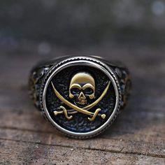 Pirate Jewelry, Geek Jewelry, Skull Jewelry, Jewellery, Gothic Jewelry, Men's Jewelry, Jewelry Ideas, Silver Skull Ring, Logos
