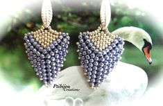 Triangular earrings - standard start but shape is made with size 15 used with size 11's.  just picture no tute....substitute 15s for 11s on top side.  #Seed #Bead #Tutorials