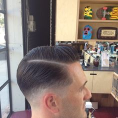 Photo by uncleroccos Classic Mens Hairstyles, Mens Hairstyles With Beard, Slick Hairstyles, Hair And Beard Styles, Hairstyles Haircuts, Haircuts For Men, Short Hair Cuts, Short Hair Styles, Pompadour Fade