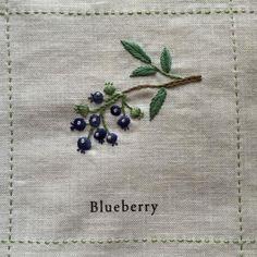庭図鑑のモチーフクロス。今回も3つだけUPします。4段目の後半3つ。▼ Blueberry 「ブルーベリー」このモチーフのポイントは葉の部分。葉っぱらしく...