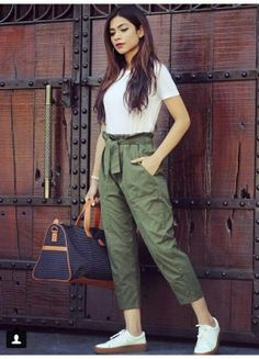 6 easy weekend outfits that still look chic Fashion Pants, Look Fashion, Fashion Dresses, Fashion Beauty, Cheap Fashion, Fasion, Indian Fashion, Fall Fashion, Fashion Women