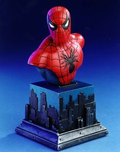 Spider-Man mini-bust Sculpted by: Thomas Kuntz Release Date: February 2001 Edition Size: 12000 Order Of Release: Phase I (bust #28)
